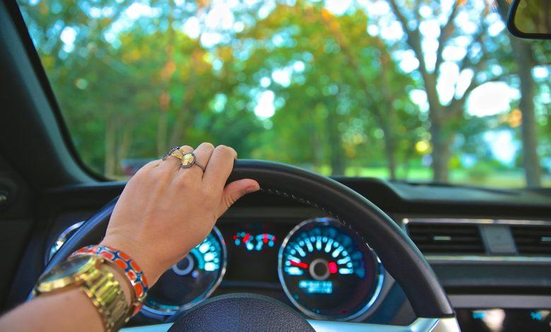 فوائد سياقة المرأة للسيارة